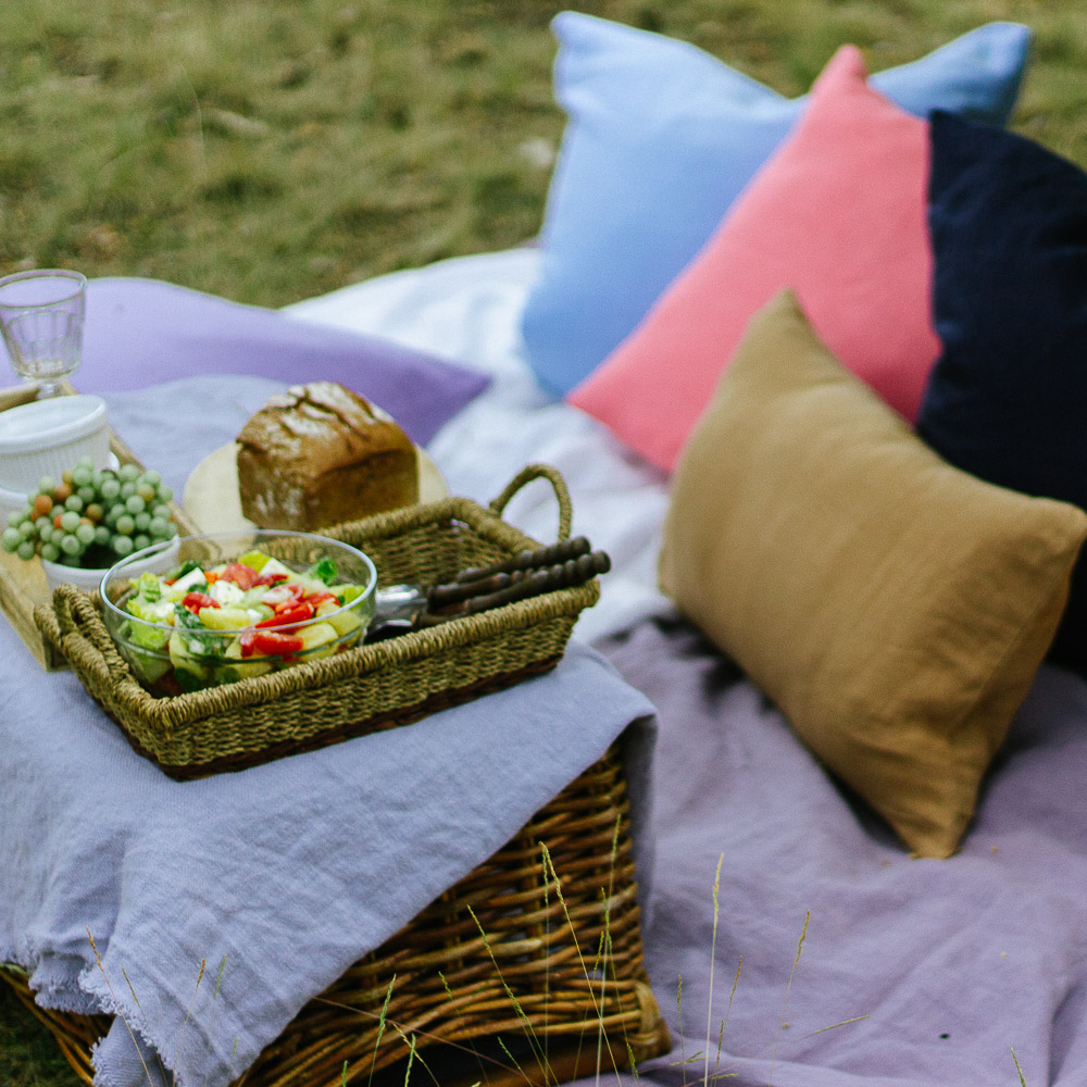 Sommerpicknick im Spätsommer und köstlichen Leckereien